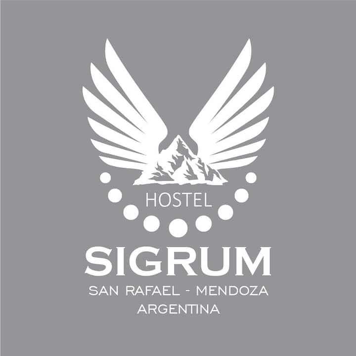 SIGRUM HOSTAL - Habitación Compartida x6 (1-3)