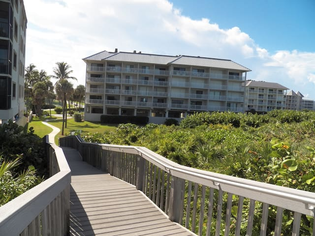 Beach front condo 1 bed 1 bath  - Stuart - Apartment
