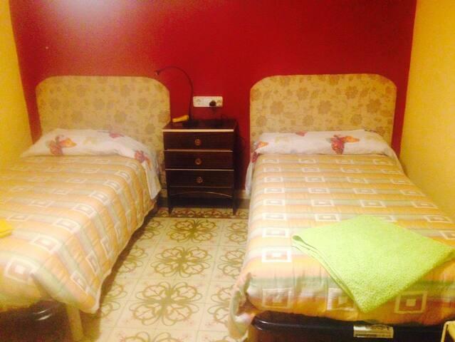 Habitacion para uso individual o doble en casa