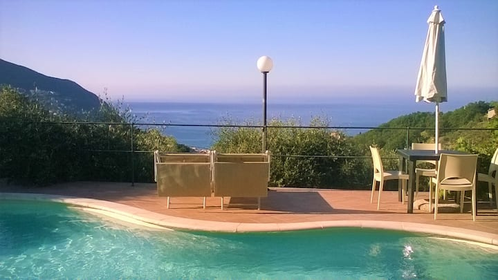 Vista mare-Moneglia, 5 Terre, piscina, pet friendl