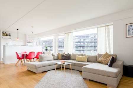 Big & Nice Flat with terrace & close to Centrum - Copenhague