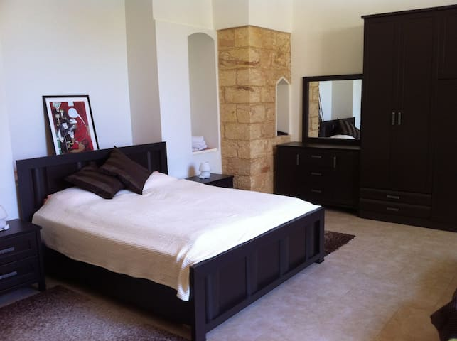 Miriam -Suite double Bed + 2 - Nazareth - Bed & Breakfast