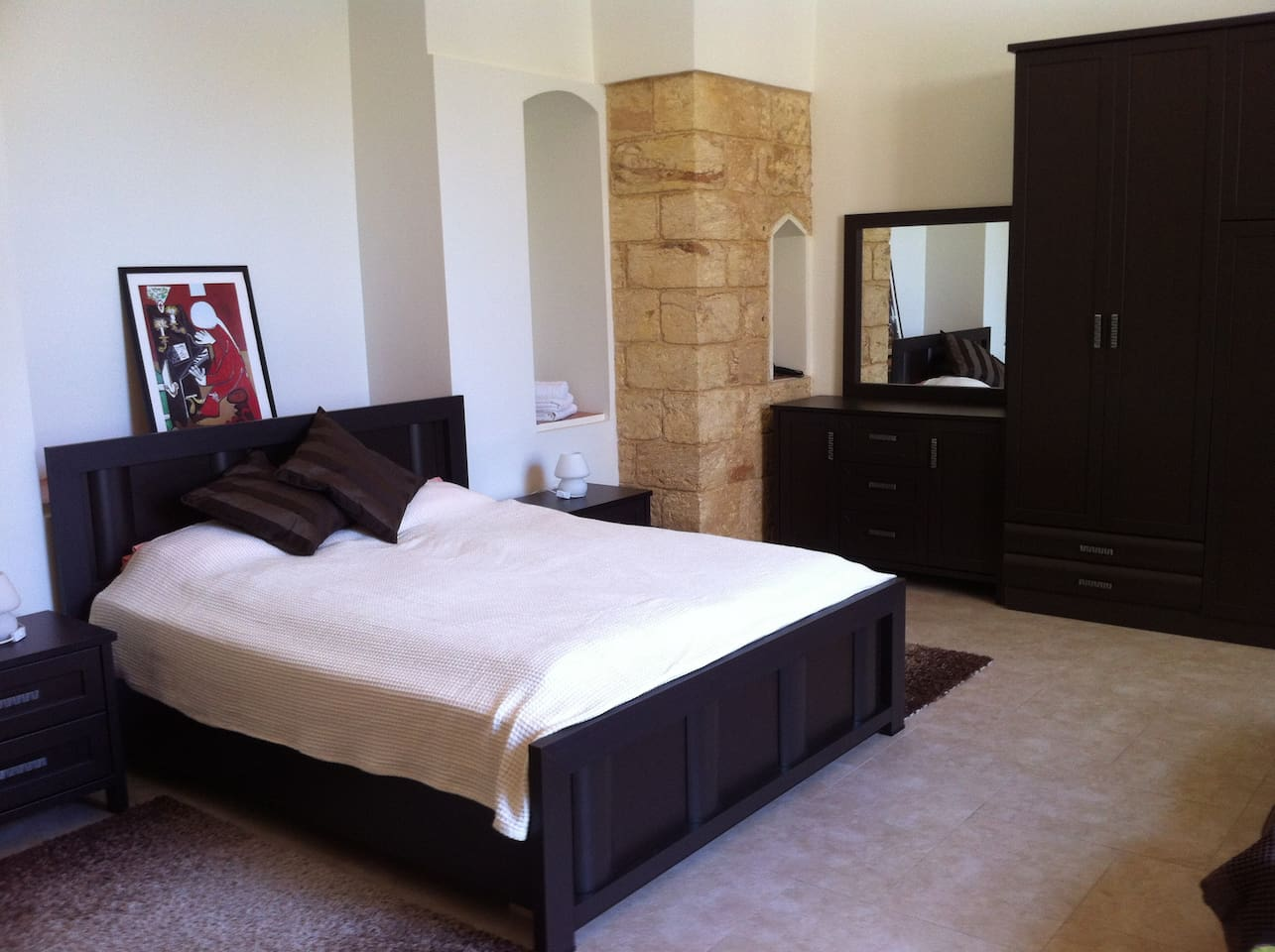 Suite, Double bed room with private bathroom.