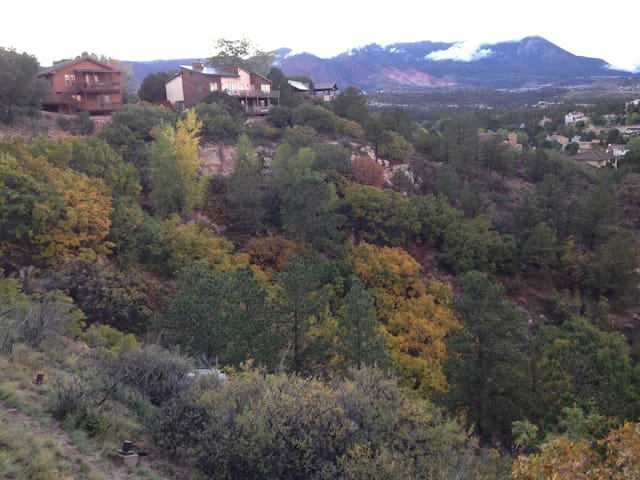 Gorgeous Mountain Views, Quiet - Colorado Springs - Maison de ville