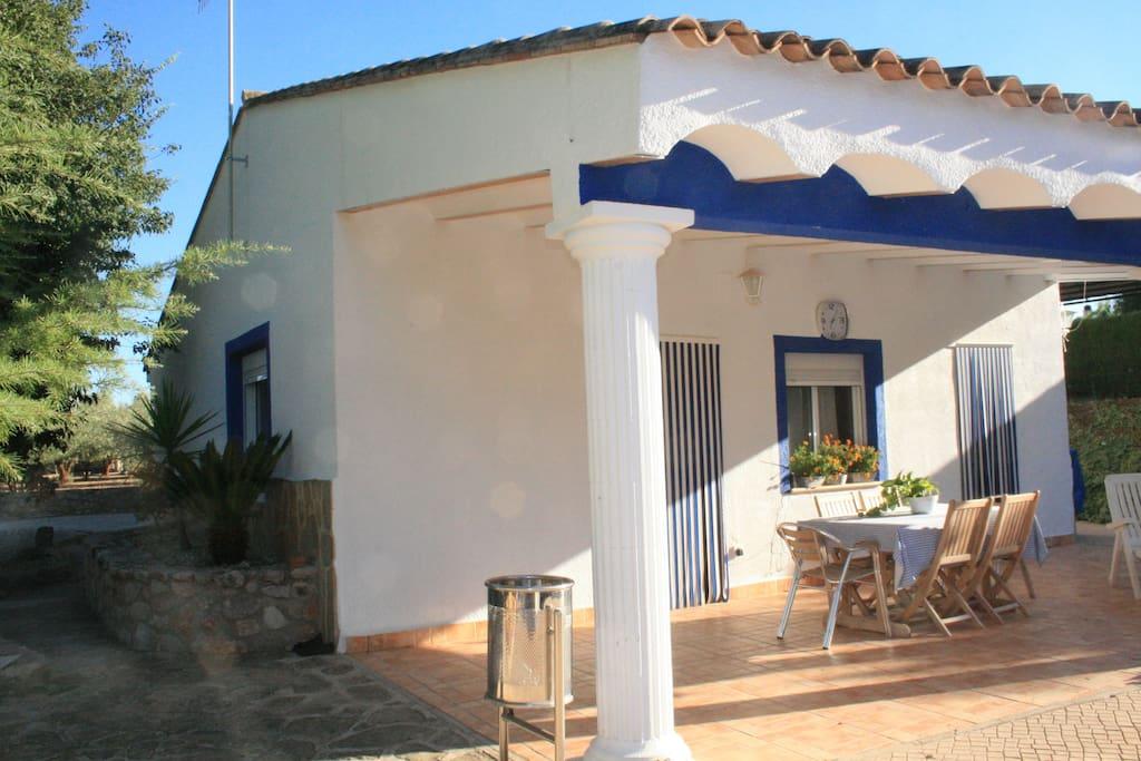 Preciosa casa de campo con piscina de temporada for Casas rurales con piscina comunidad valenciana