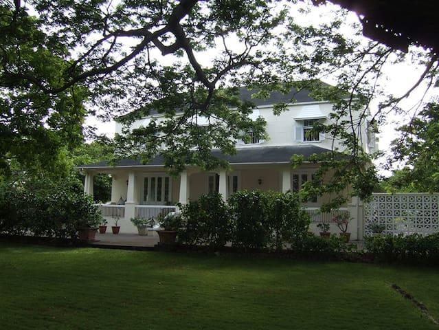 Rosedale; villa by the beach