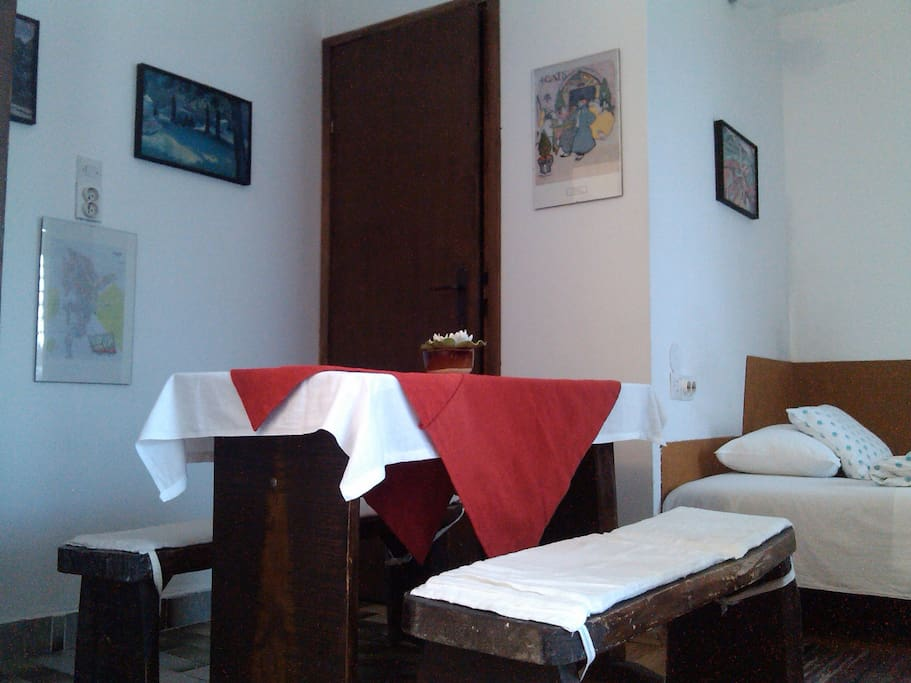White room - dining area