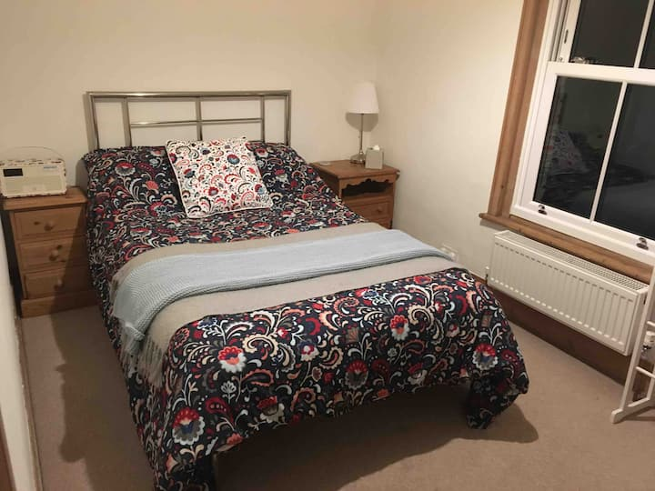 Spare room/rooms in Tonbridge house, near station