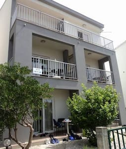 One bedroom apartment near beach Brist, Makarska (A-11078-a) - Brist - Lägenhet