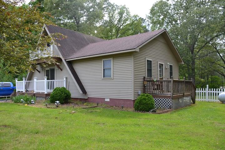 A-frame cottage near gorgeous Kentucky Lake