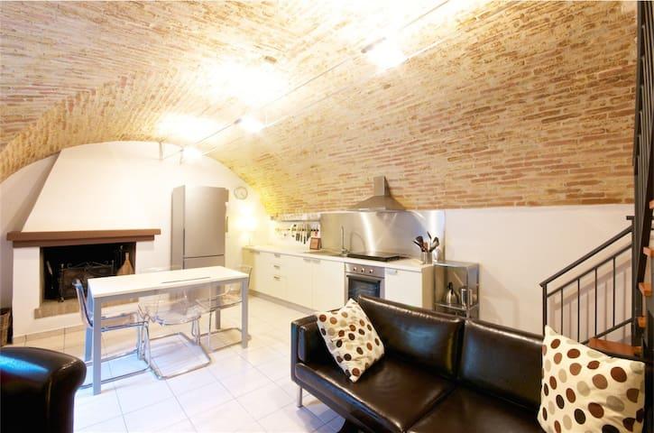 Abruzzo Italy-Modern Medieval Home - Rocca San Giovanni - House