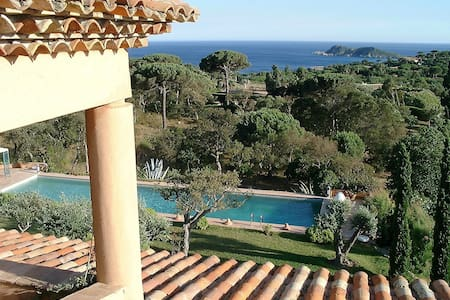 La Quessine, Overlooking Sea And Countryside - Ramatuelle - Hus