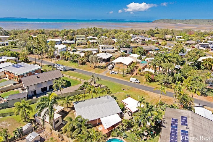 Relaxing Beachside House - 300m to beach