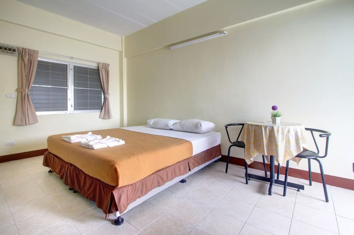 EkkamonMansion Rooms with free WiFi - Mueang Phuket - Daire