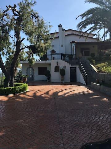 SeaSide Villa στον Άγιο Κωνσταντίνο - Agios Konstantinos - Villa