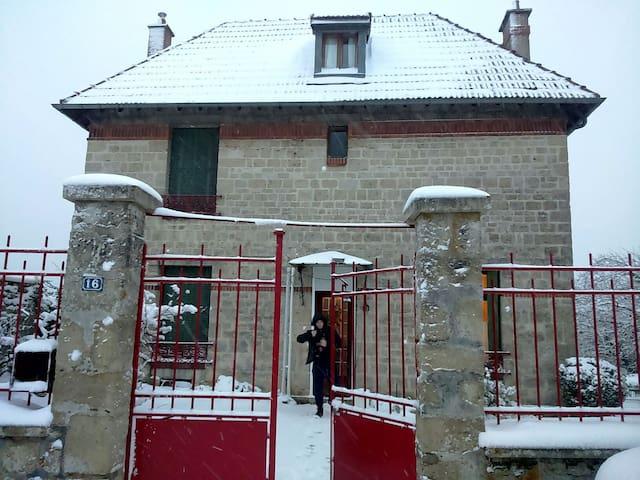 Maison en bout de village