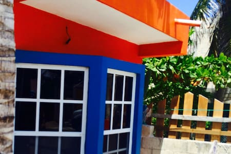 1 Bedroom House with Air Sleeps 4 - Isla Mujeres - House