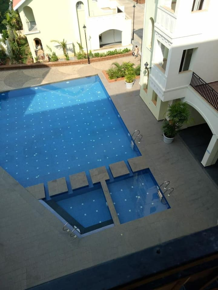 Peaceful 1 Ac Pvt Room + Balcony + Kitchen