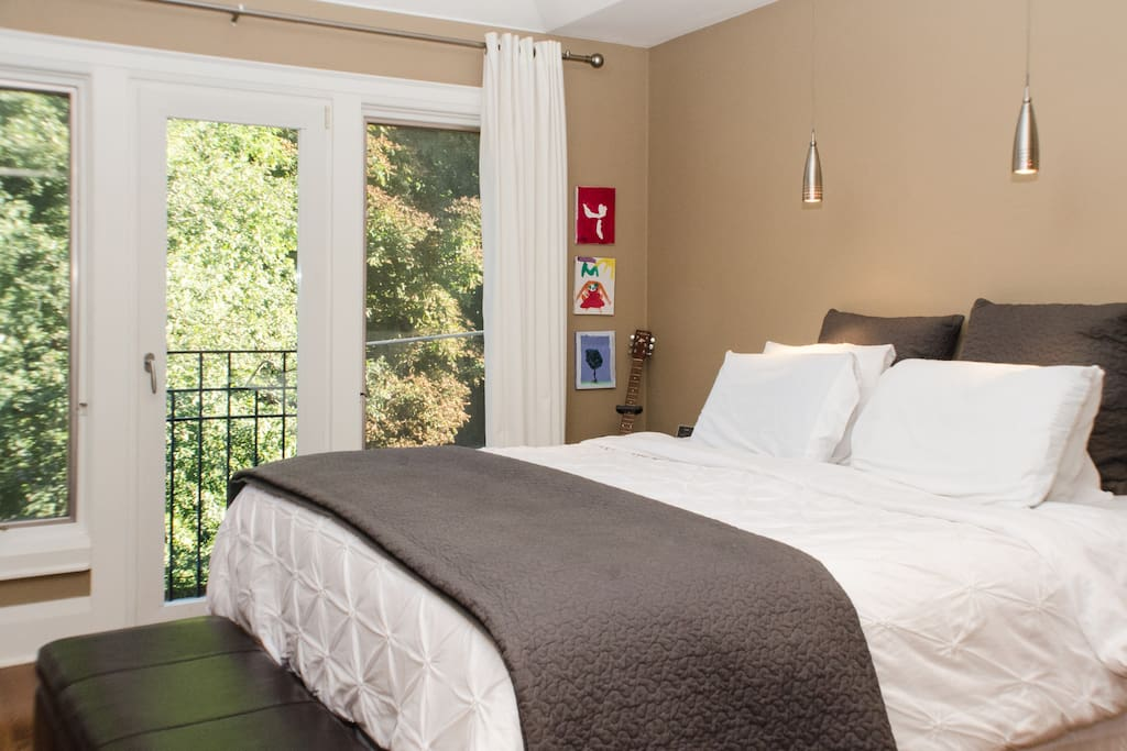 Master suite has southern exposure with king bed, en suite and walk in closet.