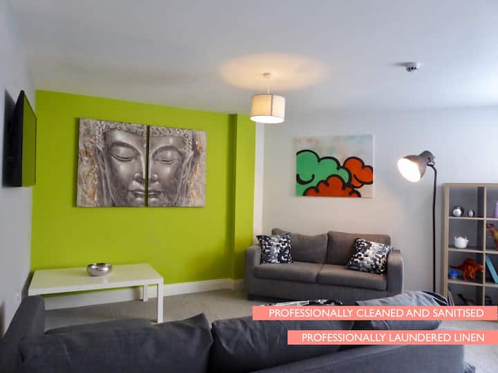 Mia's Place -  City Living in Chester (Sleeps 12)