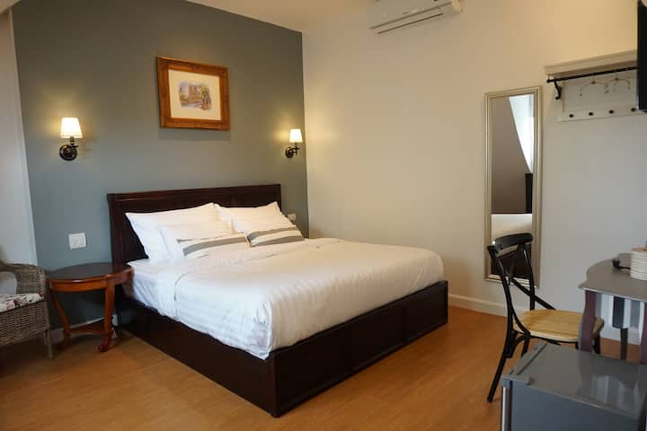 Nai Suan B&B (King Bed room with breakfast)