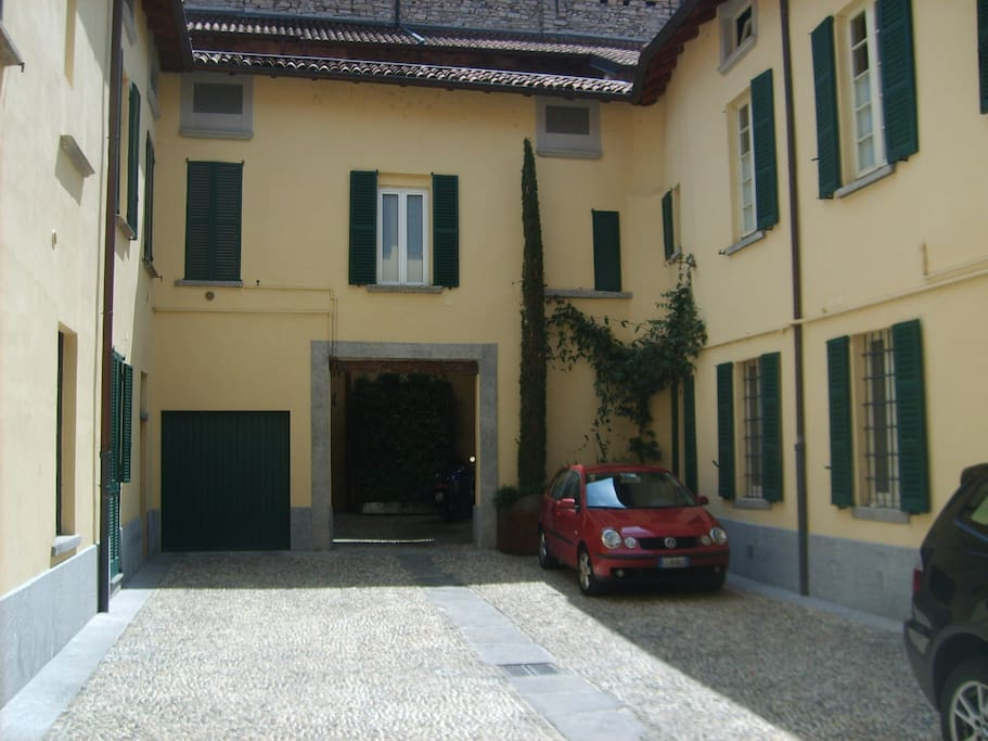 Vista cortile interno entrando