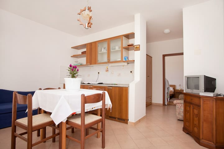 A place to relax and enjoy! - Vinkuran - Apartamento