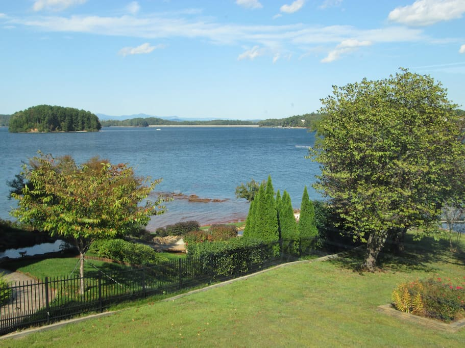 beautiful lake keowee houses for rent in seneca south carolina