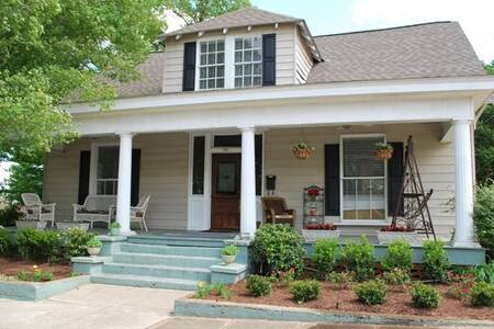 Historic Avenue C Guest House - Opelika - Hus