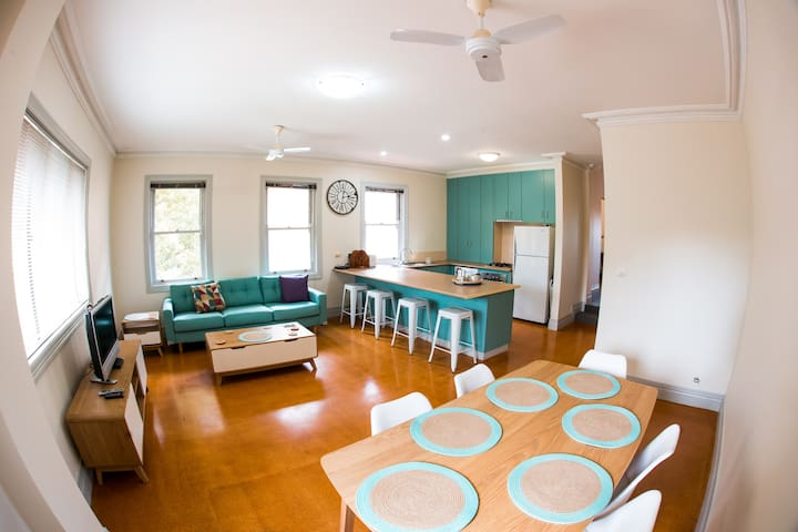Neutral Bay -  Huge Apartment, close to City