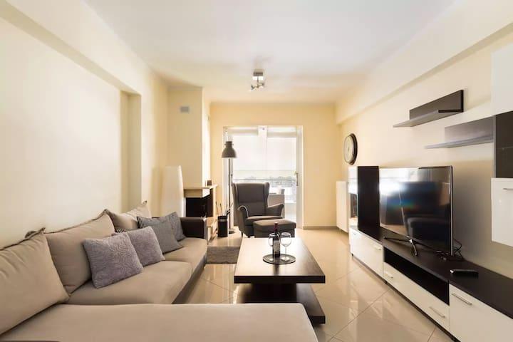 Modern 2Bedrm Luxury Apt,13' to City Center!