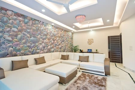 3Bed Lush Green Apt in South Delhi - New Delhi - Appartement
