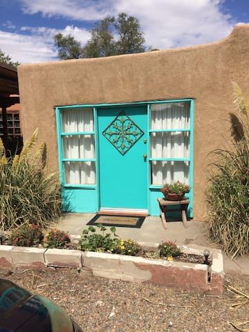 The Casita At Casa De Alegria - Los Ranchos de Albuquerque - Bungalou