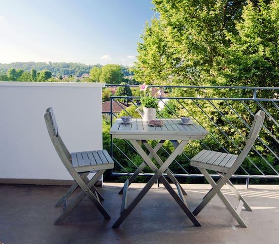 Charmant studio avec balcon vue sur les Pyrénées - Pau - Leilighet
