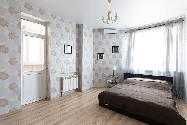 Отличная квартира в новом доме - Ростов-на-Дону - Apartamento