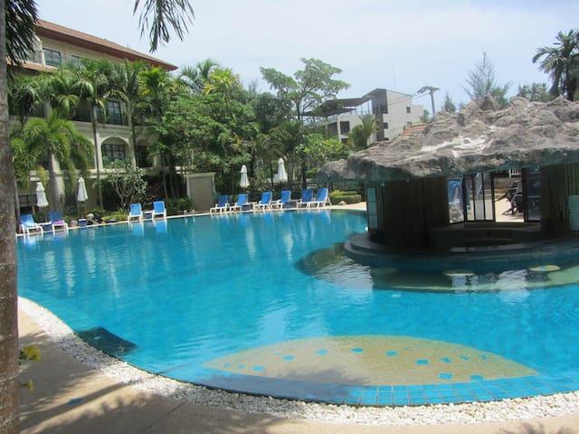 Bangtao-2 Bed-1 Bath  Apartment-Pool Walk to Beach - Choeng Thale - Daire