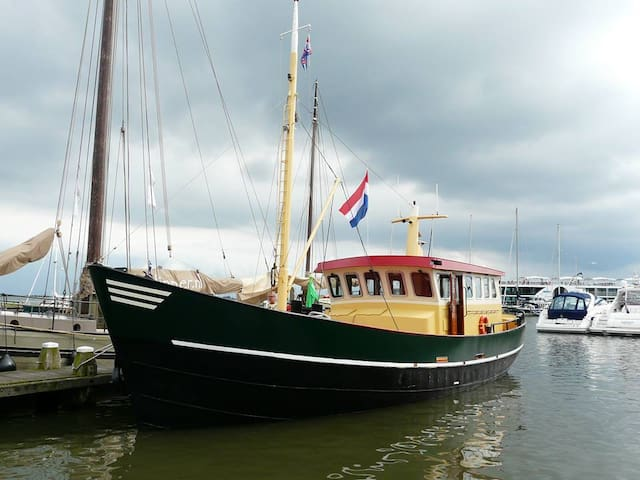Enjoy a holiday on the water! - Enkhuizen