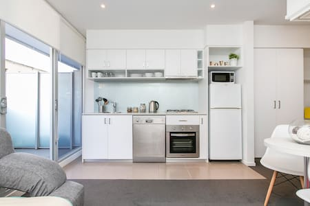 Hip South Yarra Pad *WIFI+PARKING - Güney Yarra - Daire