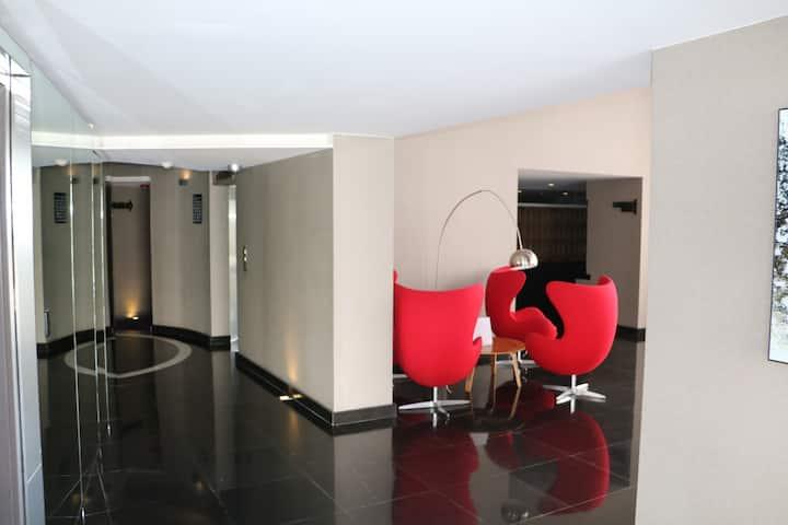 Suite Adamant II