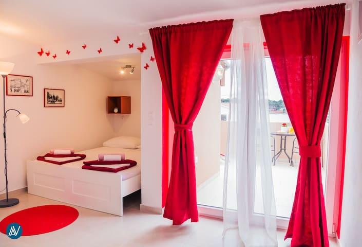 Studio Apartman Zara2 - Petrčane - Flat