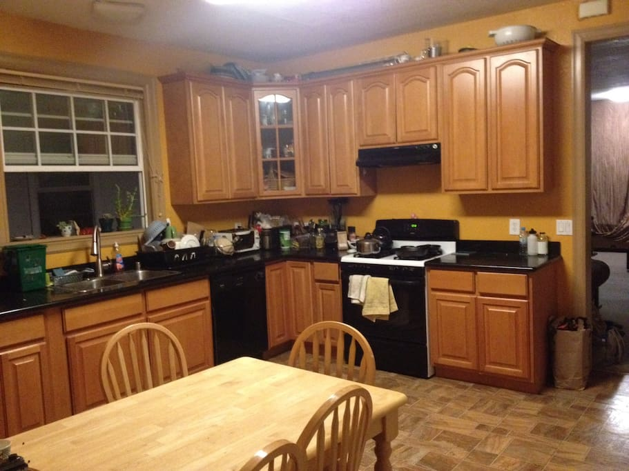 Master Bedroom In Ideal Location Apartments For Rent In Berkeley California United States