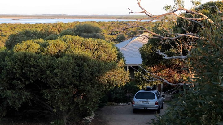 Edge of Innes Holiday House