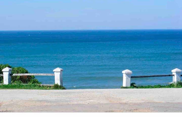 Rambla mirando al mar