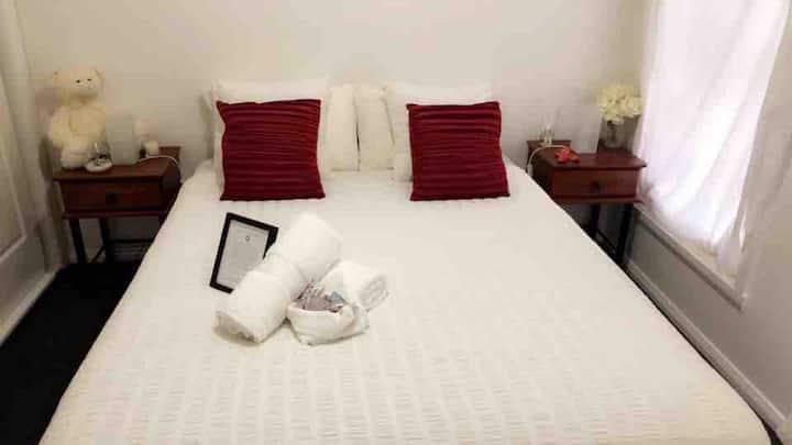 Private Room - Brand New Home - Quiet Estate