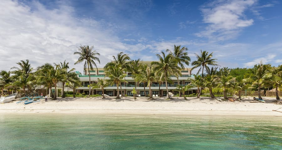 Presidential Beachfront Apartment - Boracay - 3BR