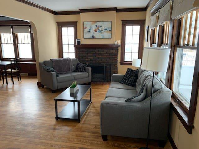 Cozy, Private Room near WI Dells and Devil's Lake