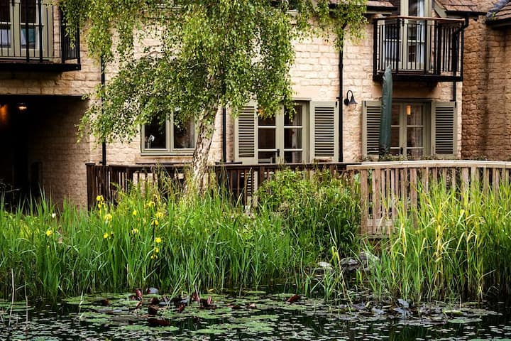 Ewen House, Luxury Spa, Nature Reserve, Child Friendly, Pet Friendly, Lower Mill Estate