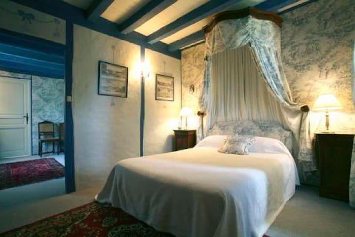 Chambres d'hôtes de Cadalen, Lautrec, Suite bleue - Lautrec - เกสต์เฮาส์