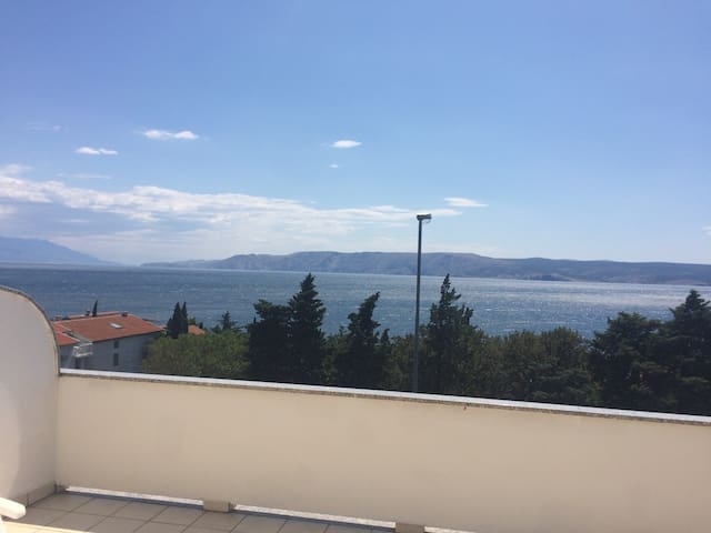 Large sea view apartment with large terrace no. 1 - Novi Vinodolski - Apartment
