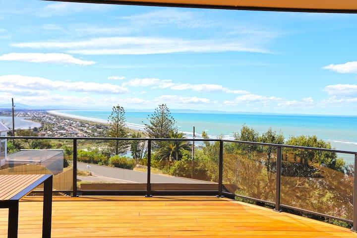 Cliffside Abode with Stunning Ocean Views